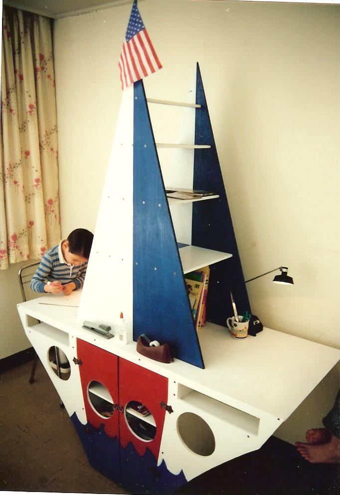 tim at the boat desk 001