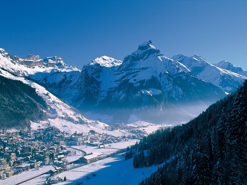 Engelberg: View from the top during winter.